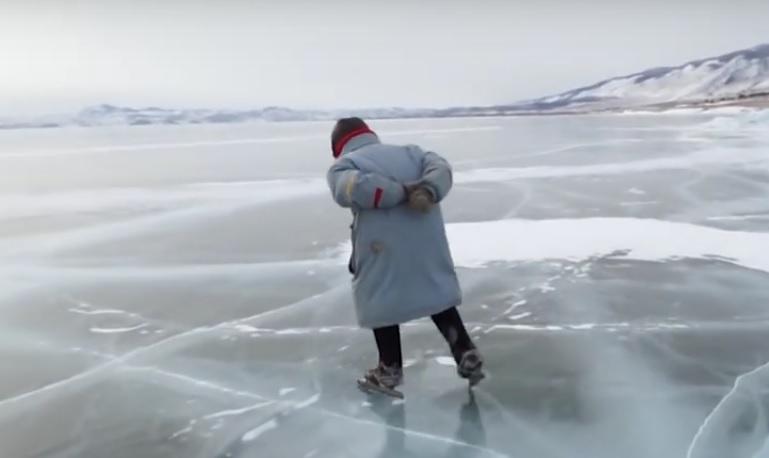 Die Schlittschuh-Oma vom Baikalsee