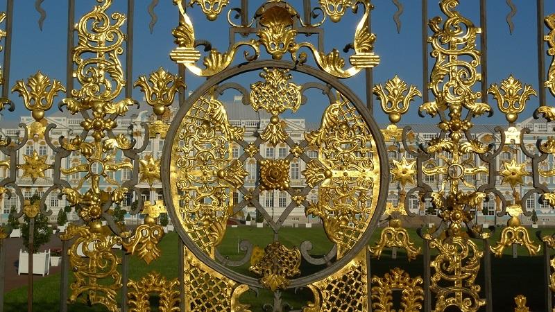 Touristenticket für zehn St. Petersburger Sehenswürdigkeiten