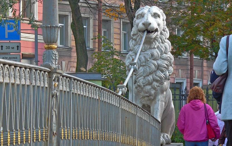 Sanierung der St. Petersburger Löwenbrücke abgeschlossen