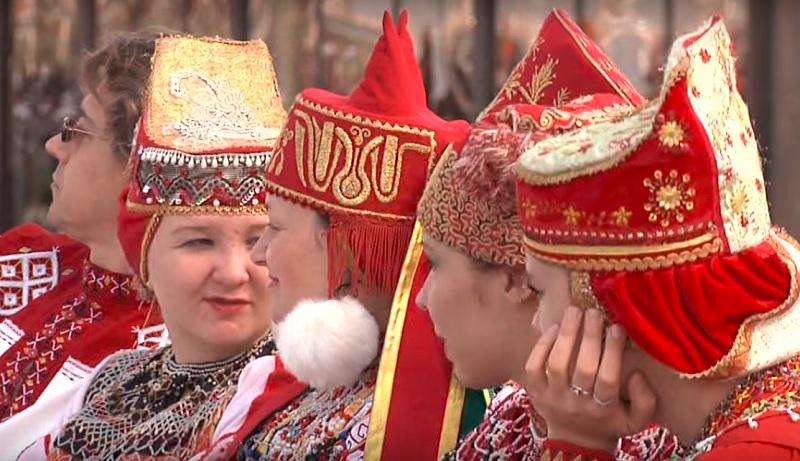 Astrachan bringt sich ins Gespräch